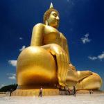 Таиланд золотая статуя