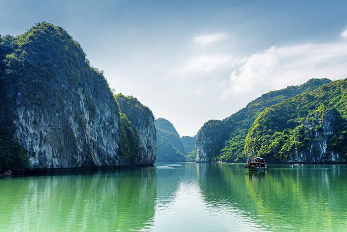 Вьетнам бухта Халонг
